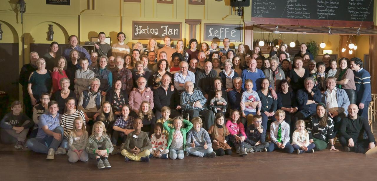 Jan Naaijkens uit Hilvarenbeek viert zondag 10 februari 2019 zijn honderdste verjaardag in de Gouden Carolus te midden van zijn familieschaar.