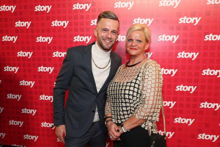 Tim Wauters en zijn mama op de Story Showbizz Awards.