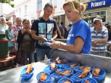 Vers, gebakken of gerookt, vis er in overvloed op de Visserijdag Arnemuiden