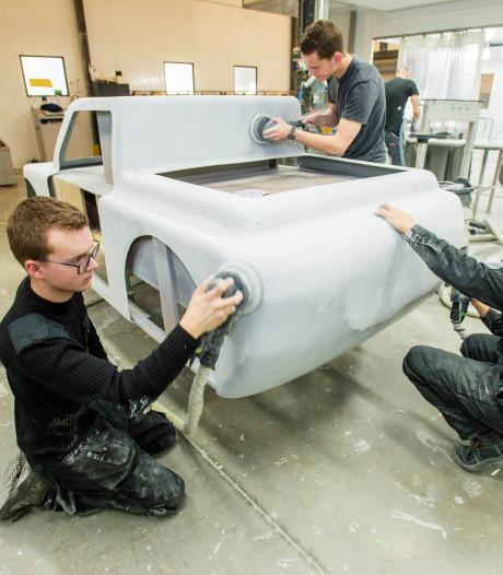 Studenten mbo Summa College bouwen auto voor wedstrijd Shell