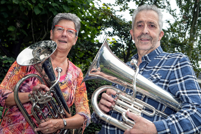 Anny Consemulder en Ad Clerx initiatiefnemers voor een middagorkest in Roosendaal Foto Chris van Klinken