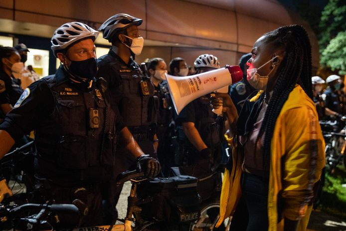 De dood van de 18-jarige Deon Kay leidde enkele uren later tot een betoging in Washington DC.