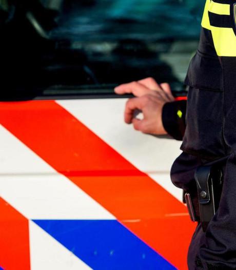 Jongen (17) aangehouden die taxichauffeur met vuurwapen bedreigde