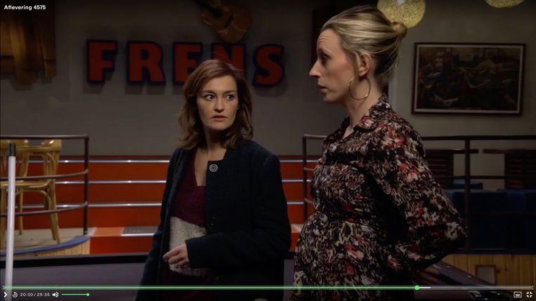 Zwanger in de serie: Tina Maerevoet, (Paulien, l.) en Tine Priem (Tamara, r.).