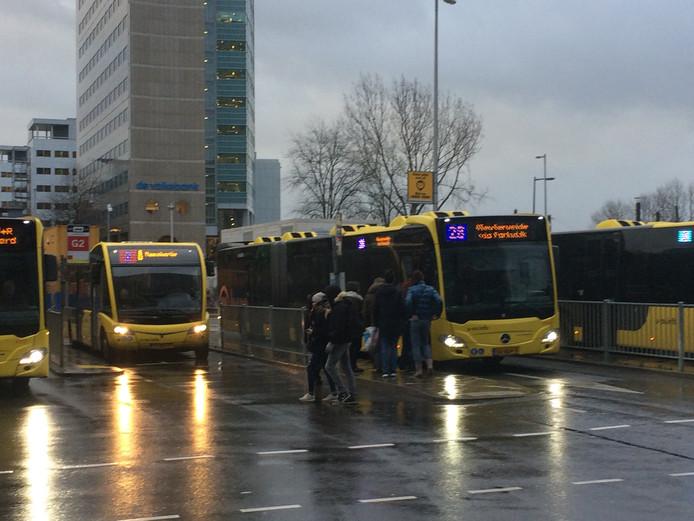 Het busstation bij Utrecht Centraal zal morgenvroeg leeg blijven.