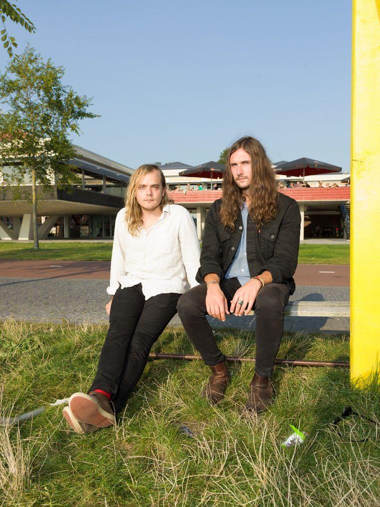 Gitarist Daniel Dixon (links) en zanger Andrew Stonestreet. Beeld Ivo van der Bent