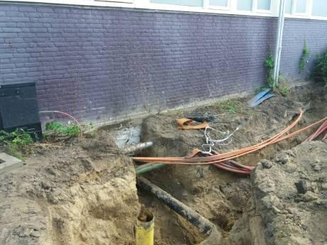 Kabel geknakt: deel Keizer Karelflat in Deventer dagenlang zonder internet en televisie