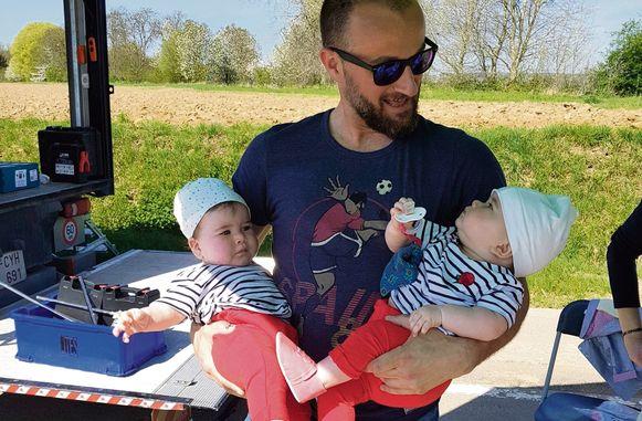 Intussen is Zoë - het kindje dat ook vertolkt werd door een tweeling - overleden.