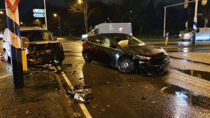 De beschadigde auto's na de aanrijding in Wageningen.