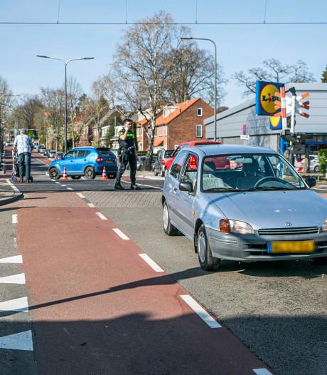 Fietser gewond door botsing met auto in Velp