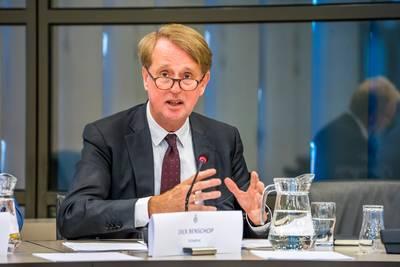 Topman Schiphol wil snel duidelijkheid van kabinet