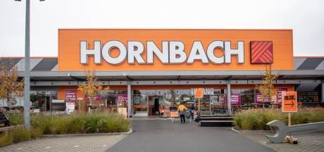 Bouwmarktgigant Hornbach in Almelo opnieuw op losse schroeven: 'Provincie trapt op rem'
