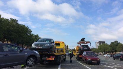 Nu al 99 auto's getakeld in Antwerpen voor start Ronde van Vlaanderen