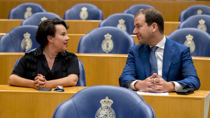 Dijksma en Asscher in de Tweede Kamer