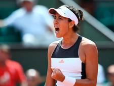 Titelverdedigster Muguruza opent Roland Garros met zege