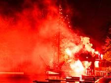Sinterklaas zet 's avonds voet aan wal in Blokzijl