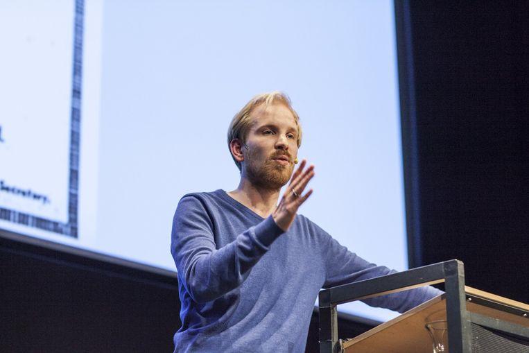 Rutger Bregman spreekt tijdens de Nacht van de Filosofie in het Groninger Forum. Beeld Harry Cock / de Volkskrant