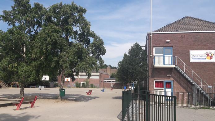 Basisschool Het Atelier aan de Assendorperdijk in Zwolle.