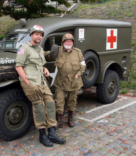Hans en Rob doen na schuurbrand tóch mee aan Market Garden: wildvreemde schiet te hulp