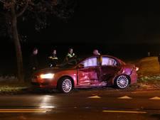 Brandweer bevrijdt inzittenden na botsing auto's op A73
