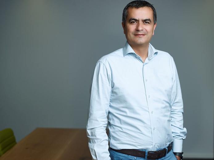 Atilay Uslu: 'Wanneer je bij een bedrijf werkt waarin je geaccepteerd wordt zoals je bent, moet je jezelf ook laten zien.'