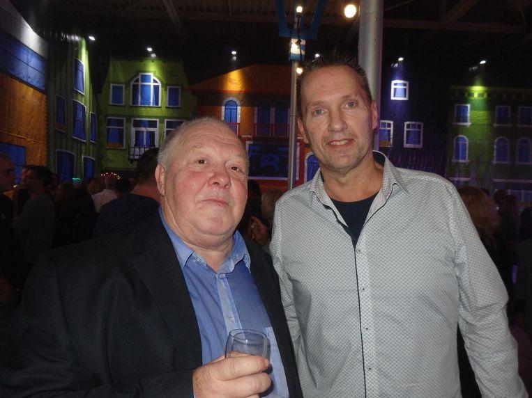 Voorzitter Hans Fontijn (l) met penningmeester Wim van der Laan jr. (inderdaad, de zoon van). Fontijn: 'Dit is de man die het feestje betaalt.' Beeld Schuim