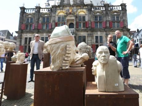 Delftse Markt vol keramiek