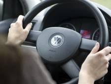 Jongeman (18) neemt auto na proefrit mee naar huis in Tilburg, in Boxtel gaat truc fout