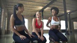 Columniste haalt uit naar 'seksistische' yogalegging, maar dat wordt haar niet in dank afgenomen