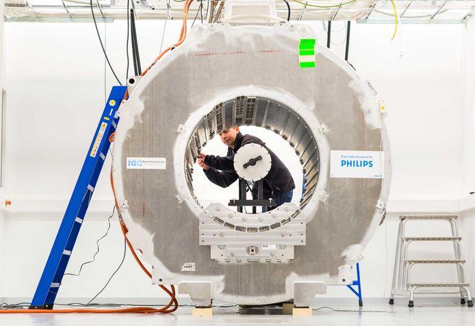 Philips maakt gebruikte MRI scanners als nieuw, wat bijdraagt aan de circulaire economie.