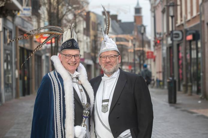 In plaats van een prins en prinses deze keer een prins en jonkheer, links Prins Paul den Eerste en rechts Jonkheer Jan Benno.