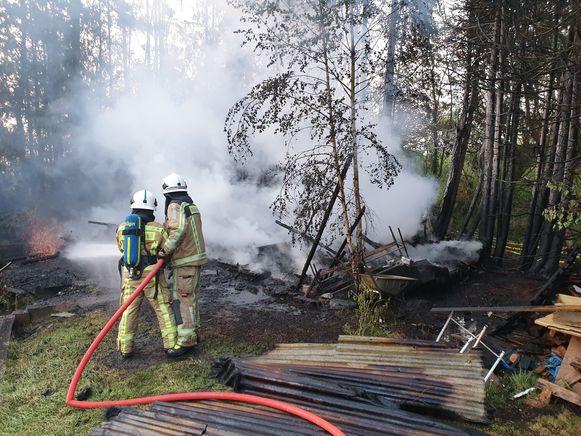 De chalet ging volledig in vlammen op.