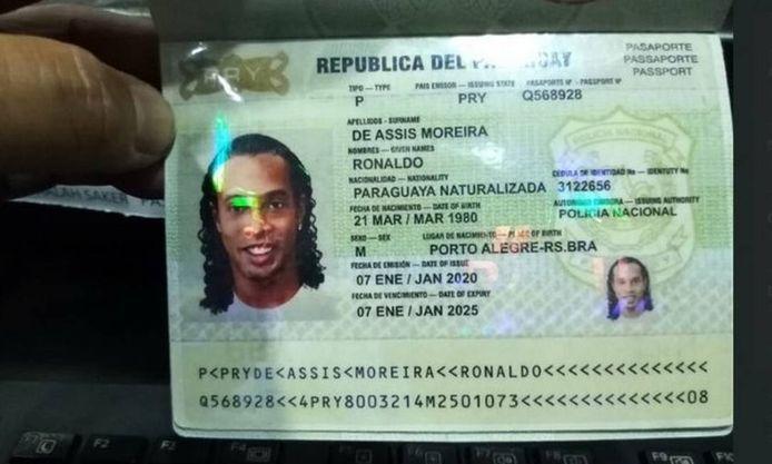 Het vervalste paspoort waarmee Ronaldinho naar Paraguay reisde.