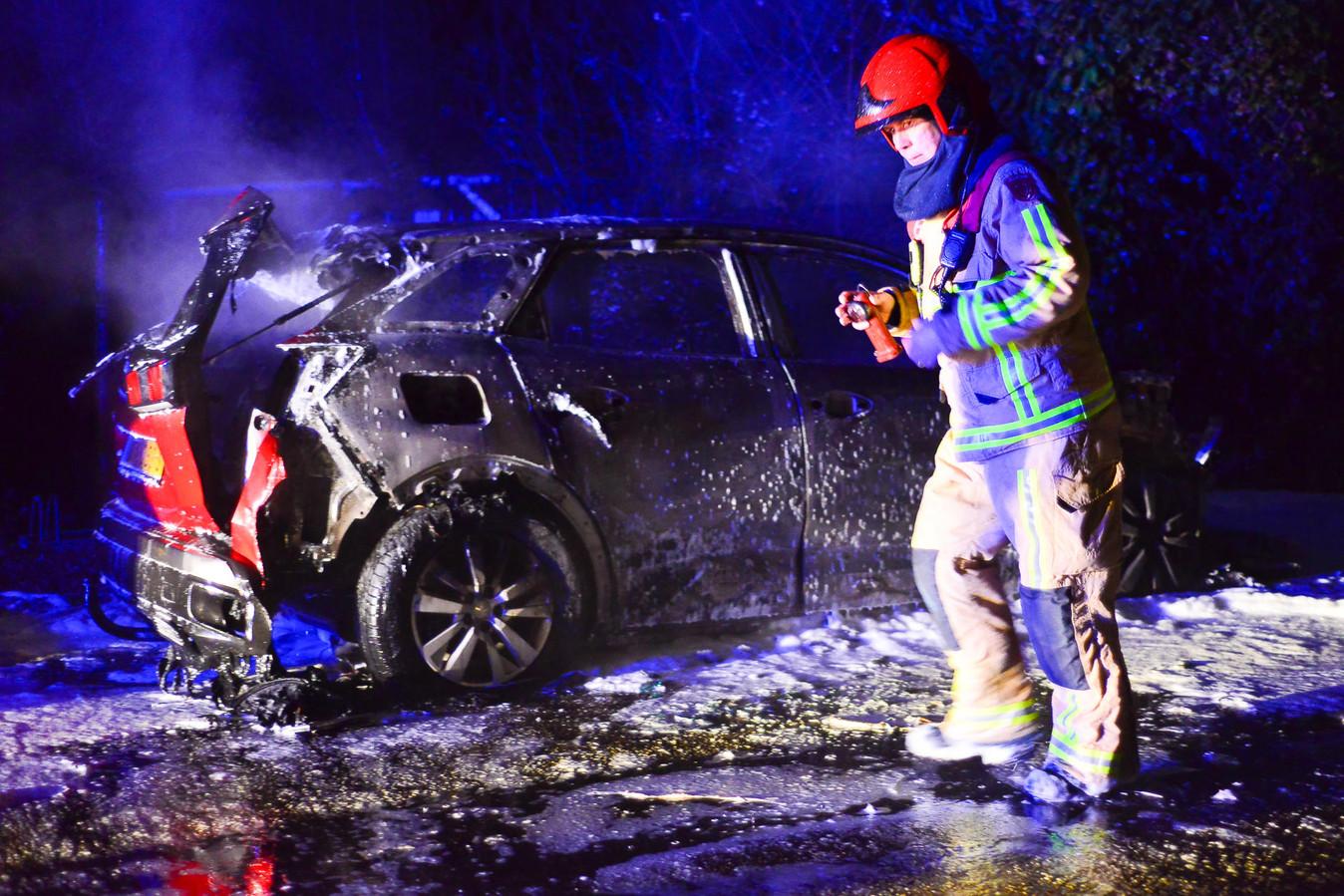 Auto uitgebrand in Budel-Dorplein