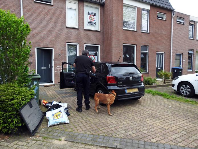 De politie deed onderzoek in de woning.