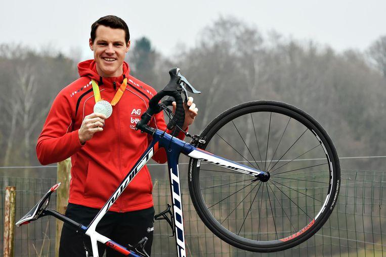 Kris Bosmans met zijn zilveren medaille na de Spelen in Rio.