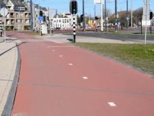 Wat doen die schuine lijnen op de fietspaden in de Spoorzone?