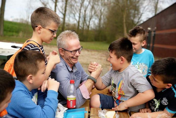Arie Graafland, voorzitter van de Stichting Kinderhulp Voorne-Putten.