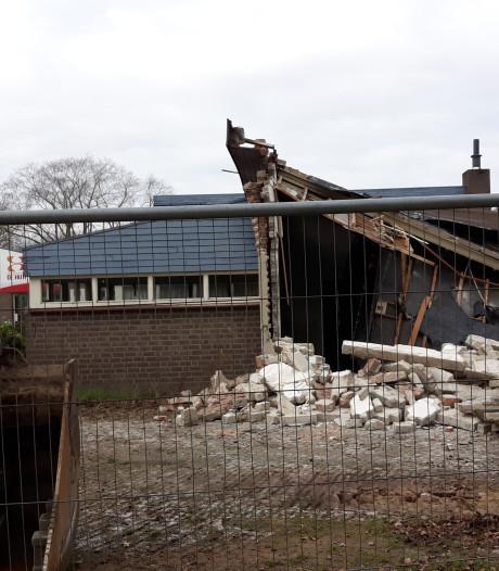Dak eraf bij De Huif: het slopen is begonnen in Sint-Michielsgestel