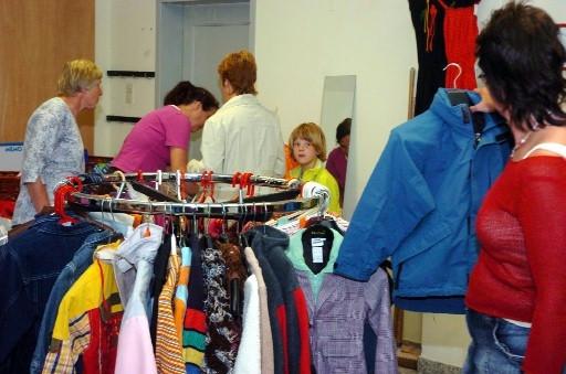 Kinderkleding Tweedehands.Eerste Klanten Tweedehands Kinderkleding Ziezo Foto Destentor Nl