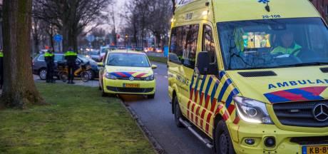 Maaltijdbezorger aangereden door auto in Roosendaal