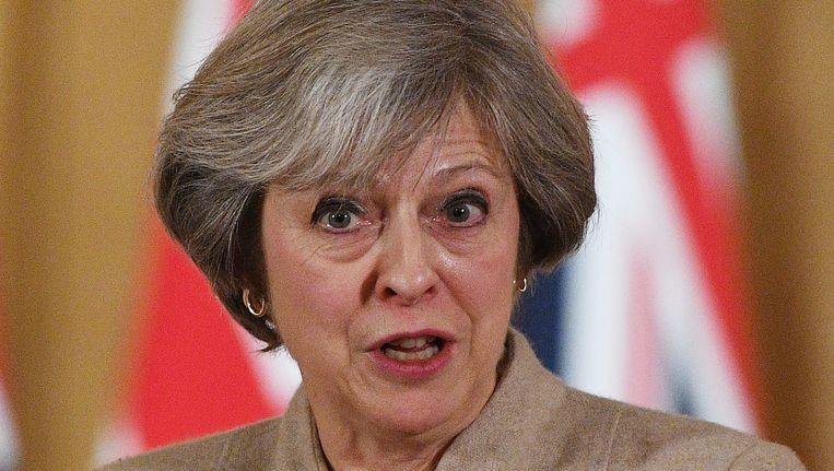 De Britse premier Theresa May zou dinsdag verkondigen bereid te zijn met een harde brexit.