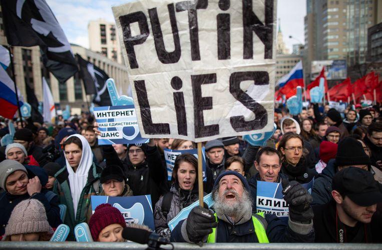 Protest in Moskou tegen de omstreden wetten, afgelopen zondag. Beeld AP
