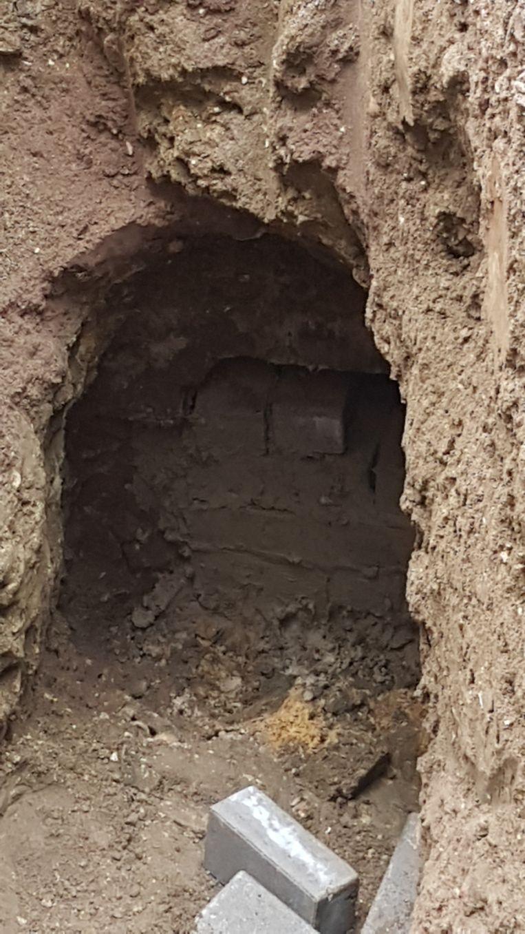 De tunnel die werd gegraven richting de riolering.