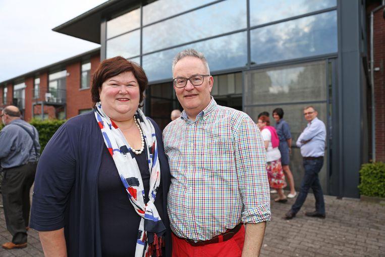 Voormalig burgemeester Eddie De Block vindt dat het tijd is om Vlaams Belang een kans te geven.