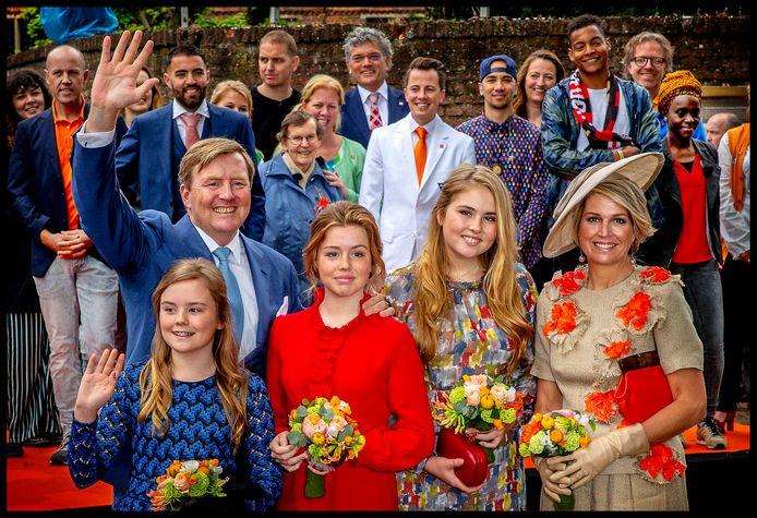 De koninklijke familie tijdens Koningsdag 2019.