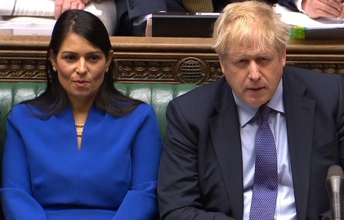 Priti Patel, ministre de l'Intérieur, et le Premier ministre Boris Johnson