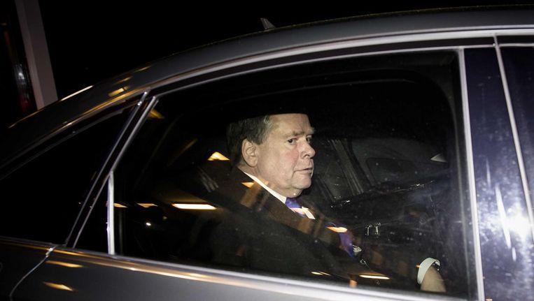 Commissaris van de Koning Jacques Tichelaar verlaat het Provinciehuis nadat hij is opgestapt. Beeld anp