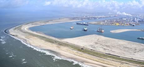 Kitesurfers woedend over bouw van windmolens op hun geliefde Maasvlaktestrand