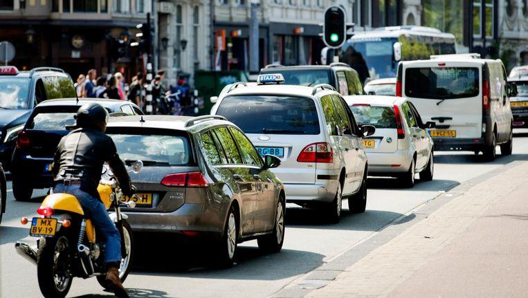 De Stadhouderskade staat op nummer 2 van de slechtste luchtkwaliteit in Amsterdam. Beeld anp